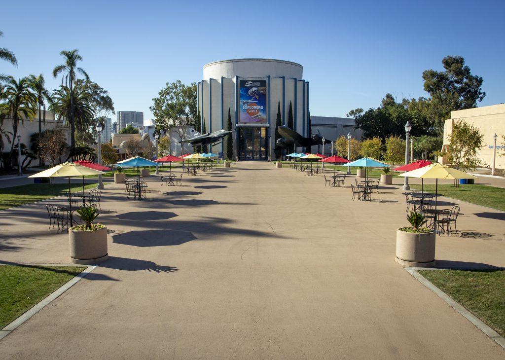 Palisades Plaza